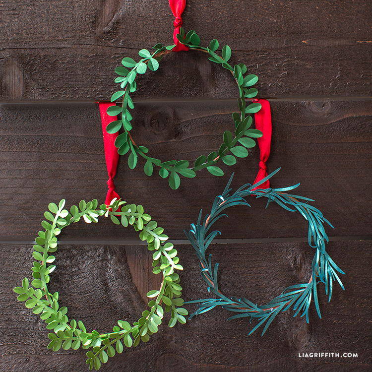 Holiday_Mini_Wreaths_Paper_TN