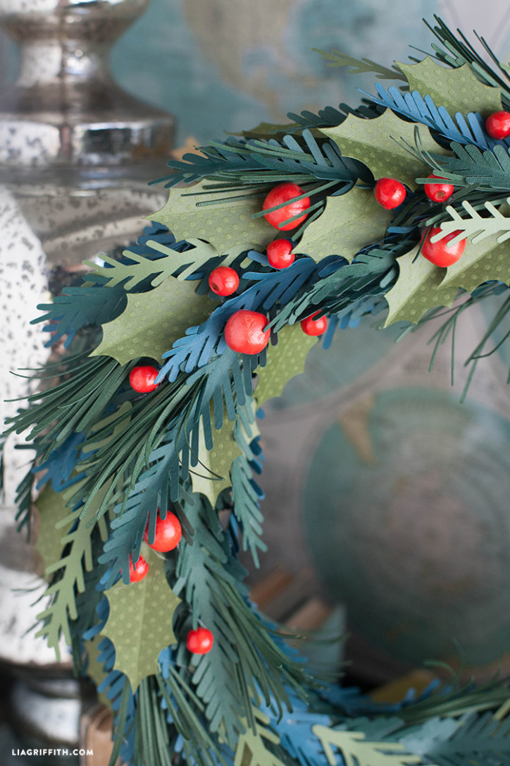 Paper_Winter_Wreath_Bead_Berries