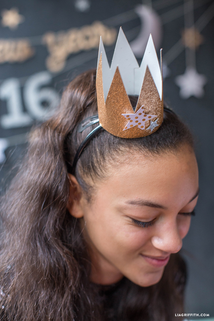 diy new year's eve crown
