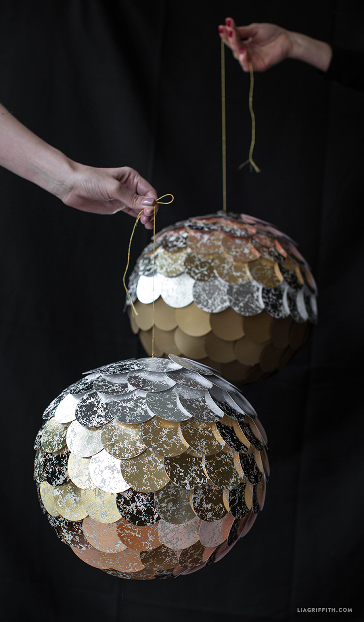 DIY_Mirror_Ball_Pinata