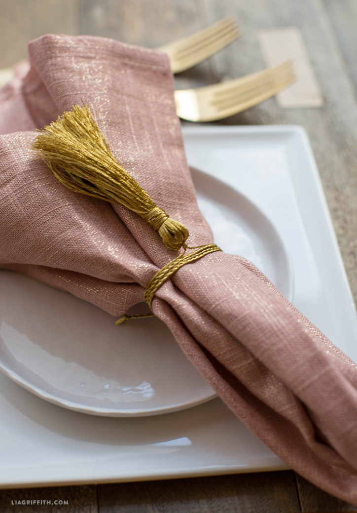 Gold_Tassle_DIY_Napkin_Ring