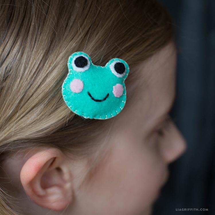 Frog_HairClip