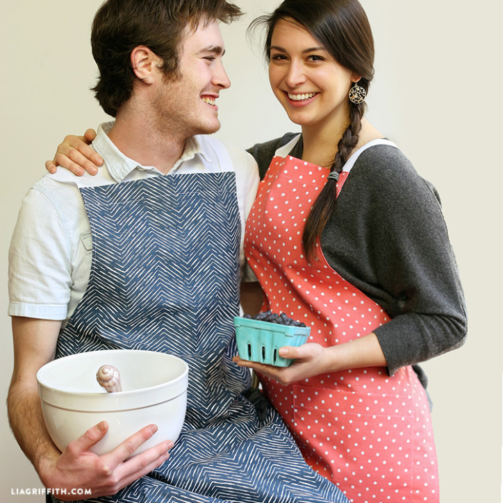 His & Her Apron Patterns