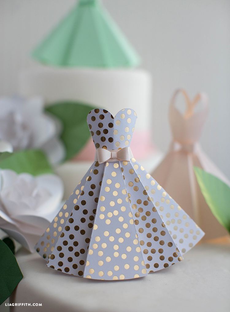 Its Wedding Season And So We Are Sharing Lots Of Lovely DIY Decorations To Keep Your Special Day As Unique You These Mini Paper Dress