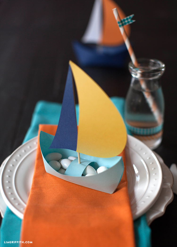 Simple Origami Paper Boats {Plus Snack Mix!} | 1041x750