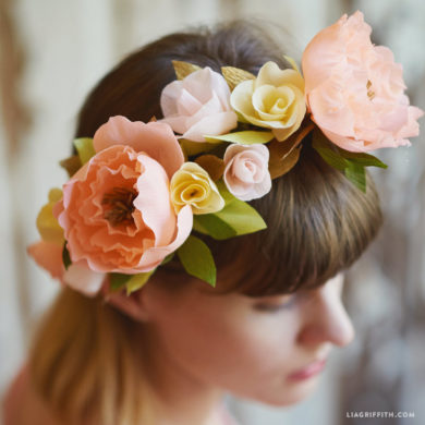 Crepe paper head wreath