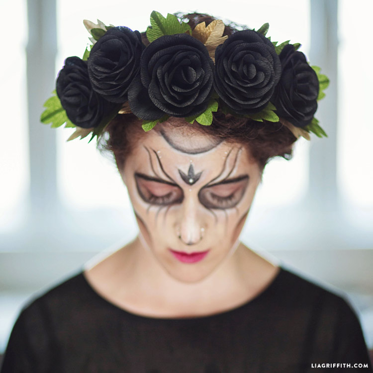 Black Rose Head Wreath