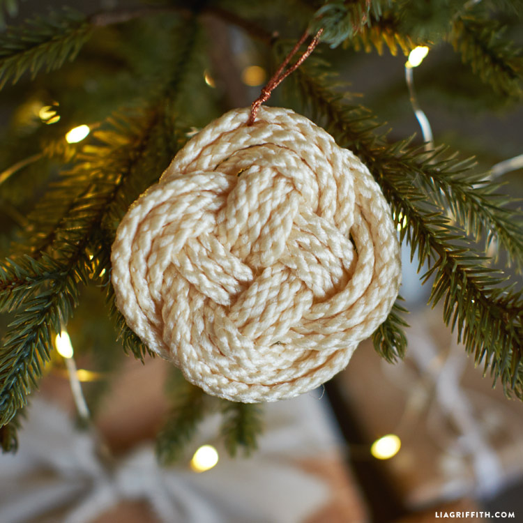 4ab1c95c1 Knotted Macrame Ornaments. in Christmas Crafts