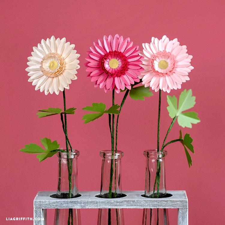 DIY paper daisies