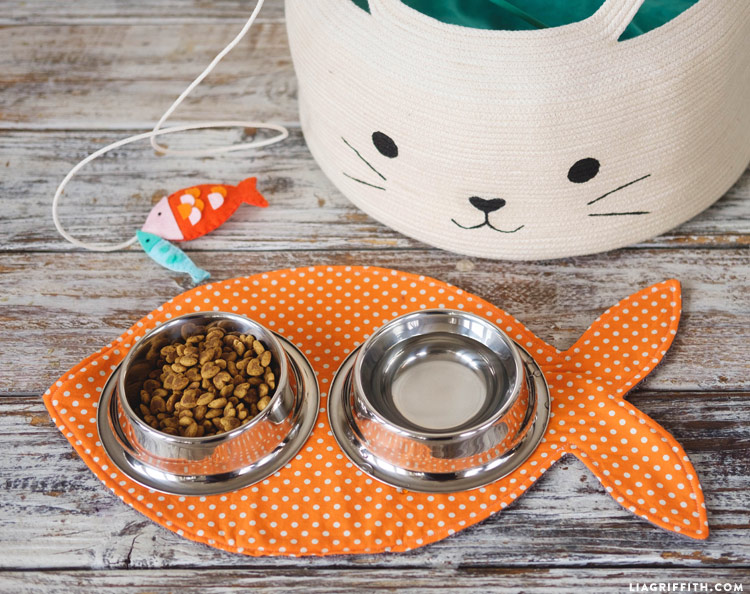 DIY Cat Food Mat