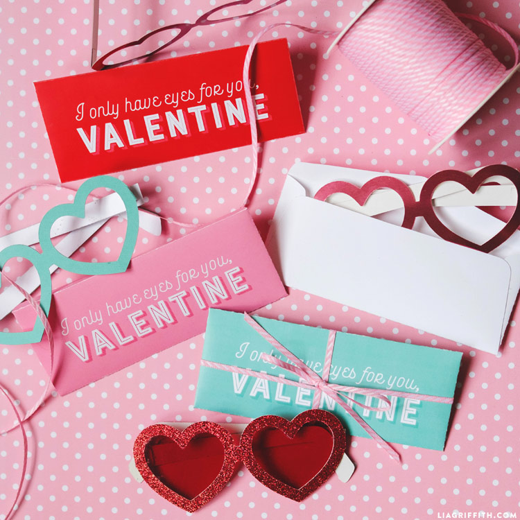 Printable Valentine\'s Day Glasses with Envelopes