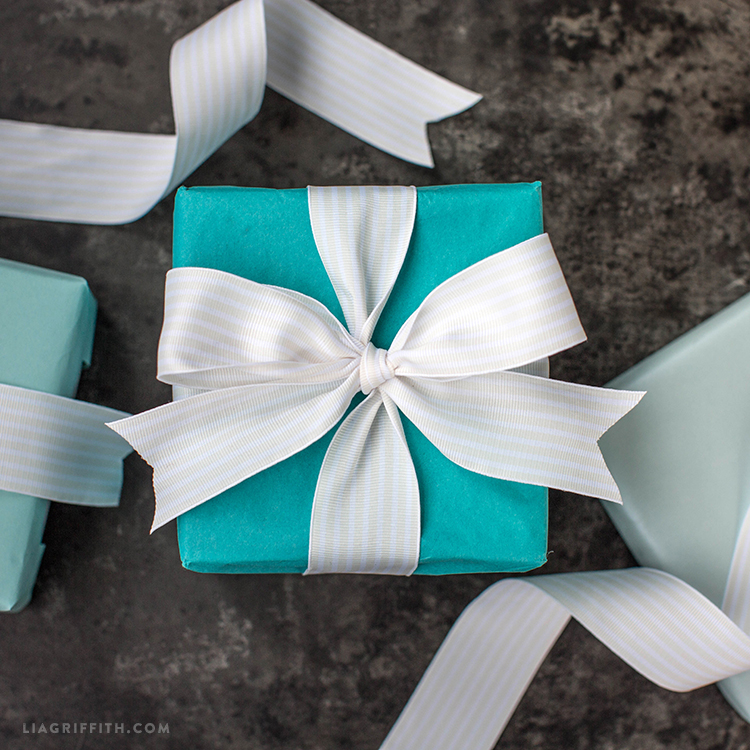 How To Tie A Tiffany Inspired Bow Video