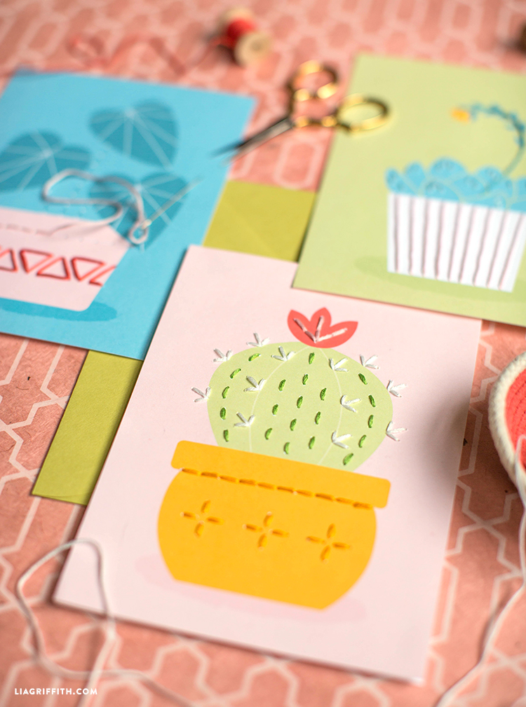 DIY Lacing Cards for Mother\'s Day