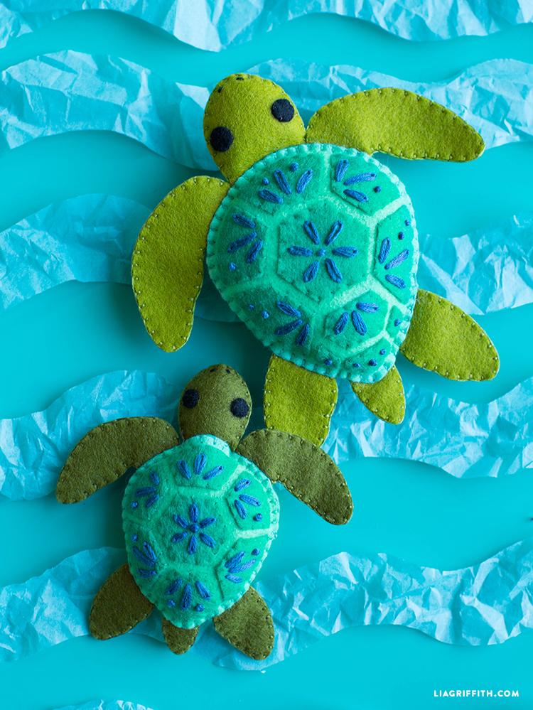 Oops!   Felt turtle, Turtle crafts, Felt toys