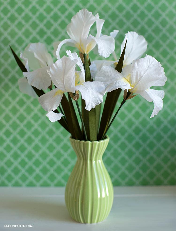 diy crepe paper iris