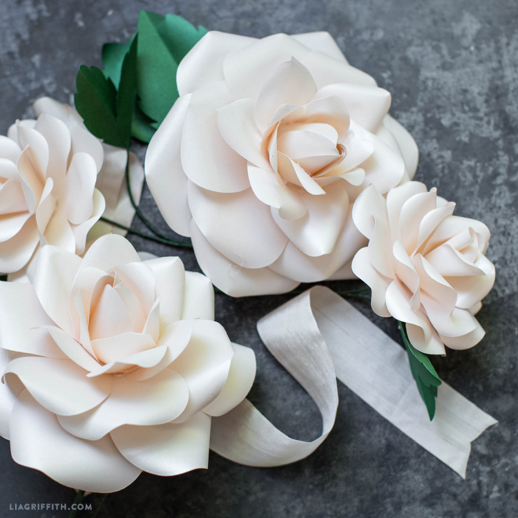 Video Tutorial Classic Paper Roses Lia Griffith