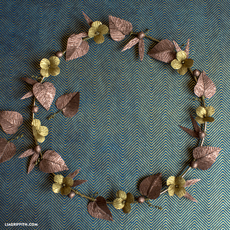 diy metallic paper wreath