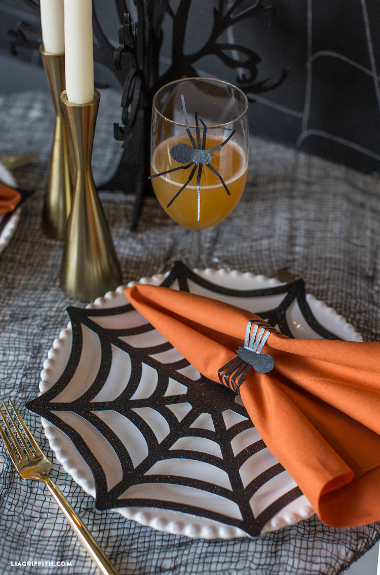 diy halloween table setting
