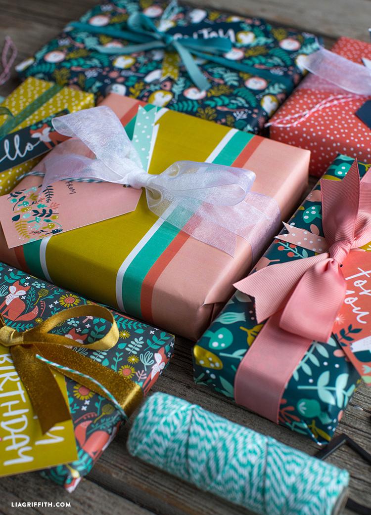 printable woodland gift wrap