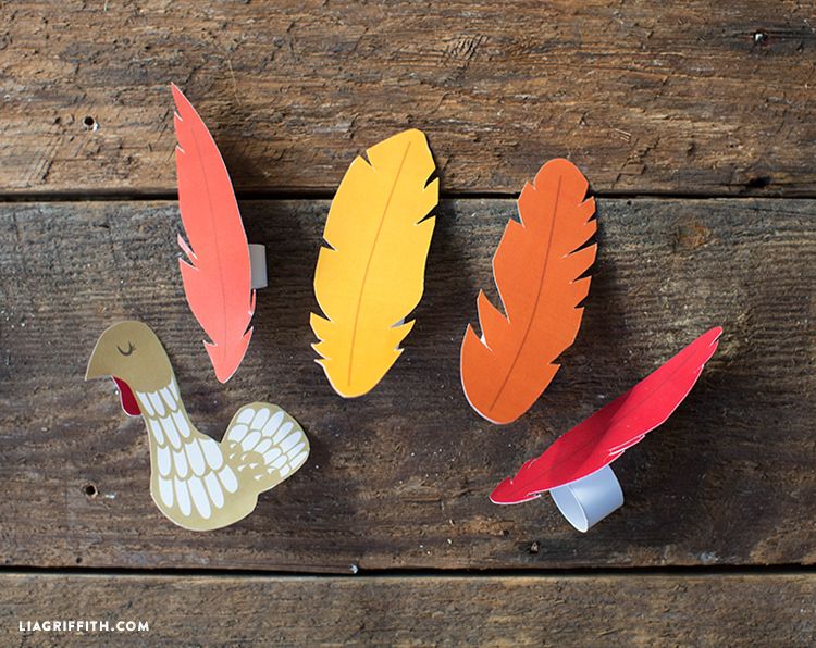 printable turkey finger puppet for Thanksgiving