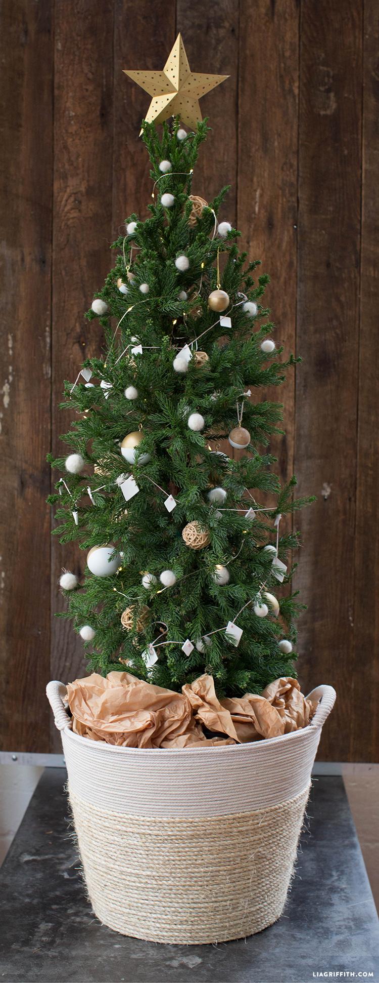 diy holiday tree basket diy christmas