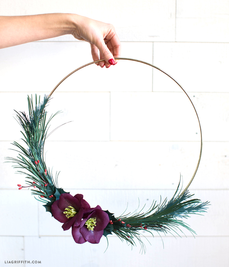 diy asymmetrical wreath