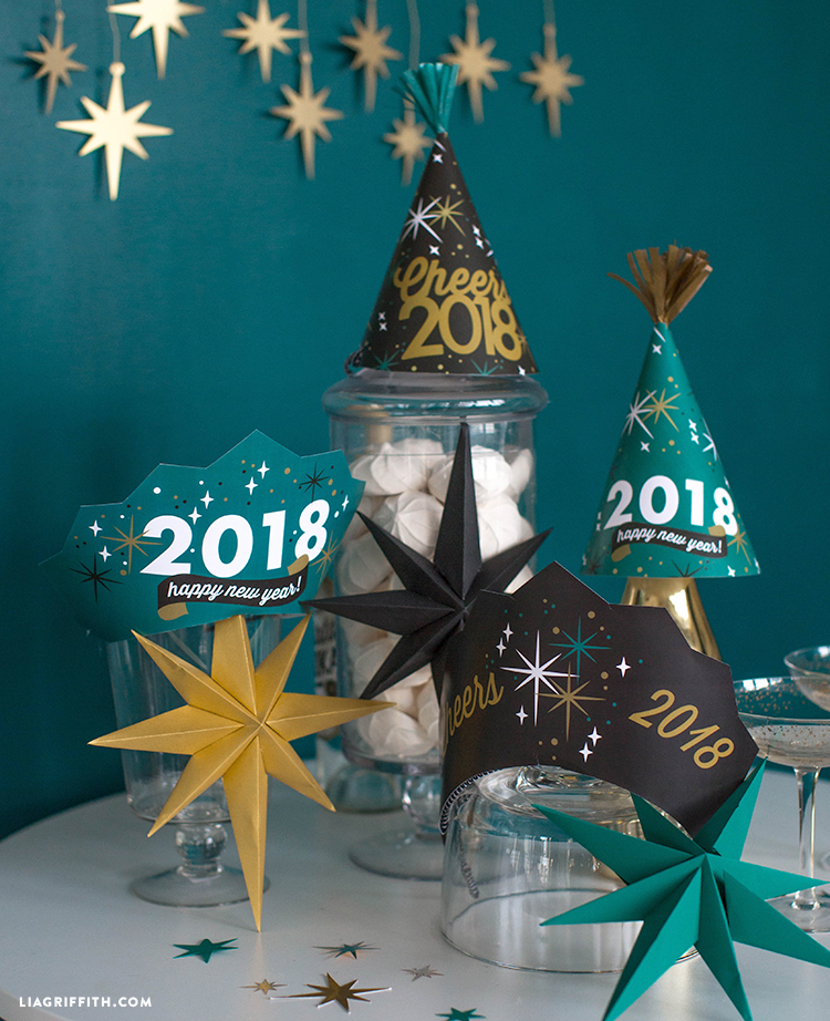 for even more diy inspiration join us on instagram facebook and twitter happy new year lia team 2018 new years eve printable hats