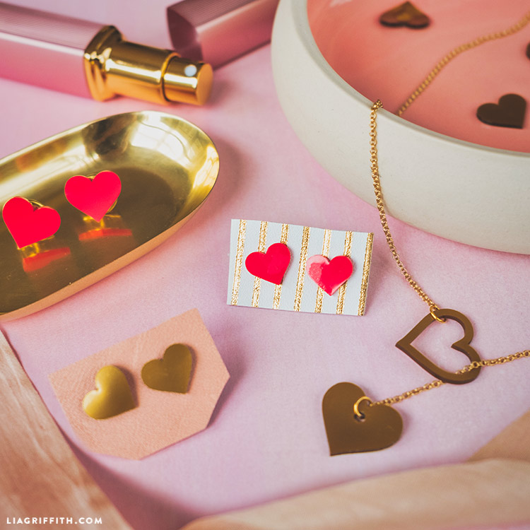diy heart jewelry with shrink film
