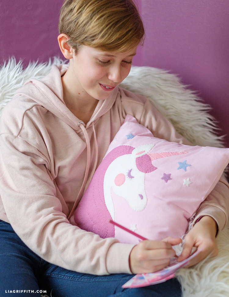 diy unicorn pillow