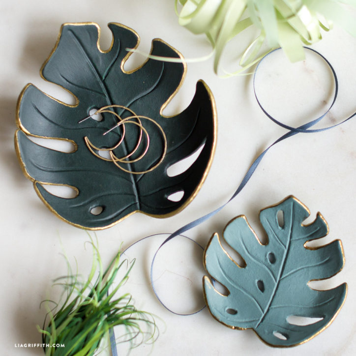monstera drop dish