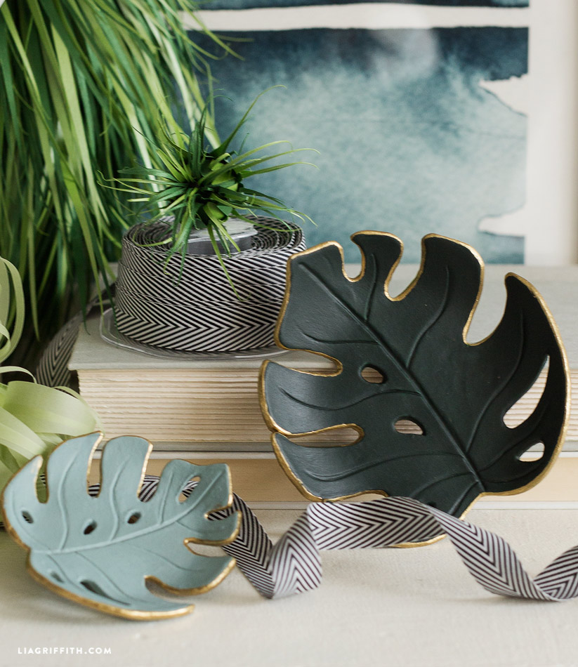diy monstera leaf dish