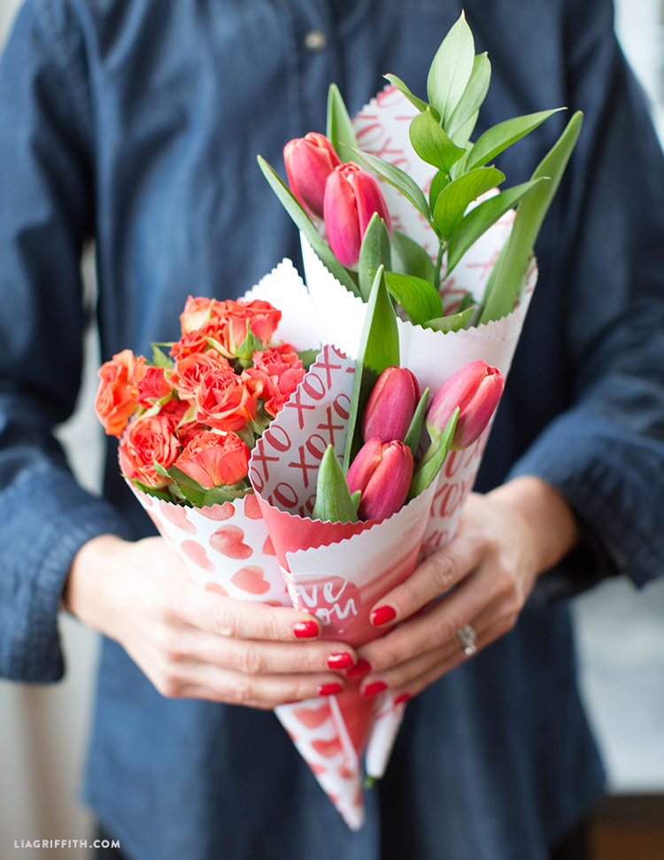 valentine's flowers with printable cones