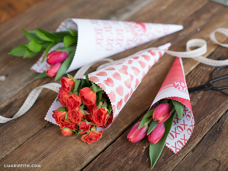printable paper cones for valentine's flowers