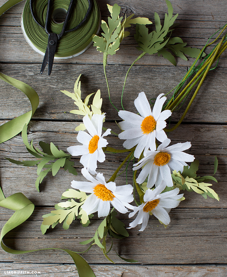 DIY crepe paper daisy flowers with stems