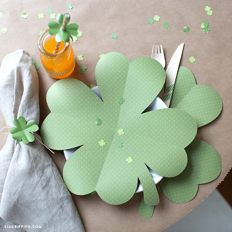 Paper Clover Placemats For Your St Patrick S Day Brunch
