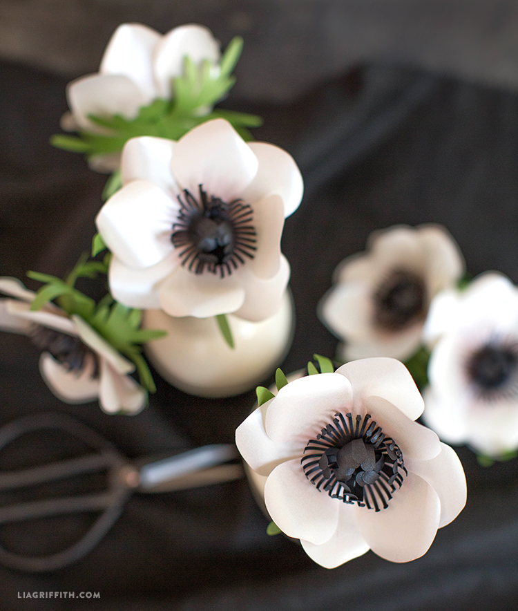 diy frosted paper anemone