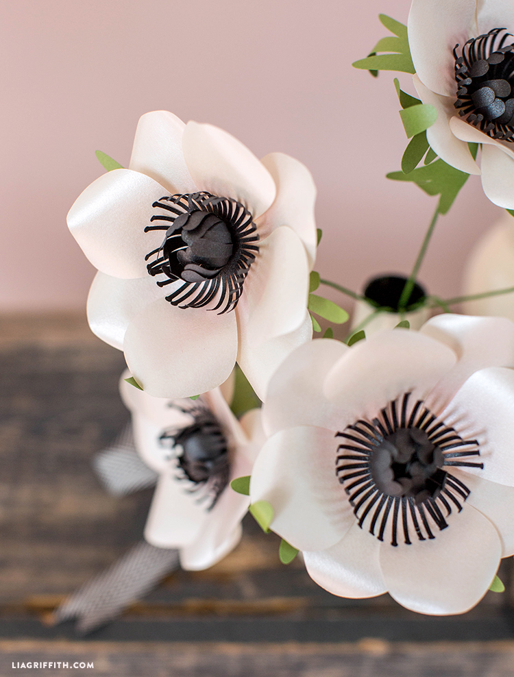 easy-to-make frosted paper anemone