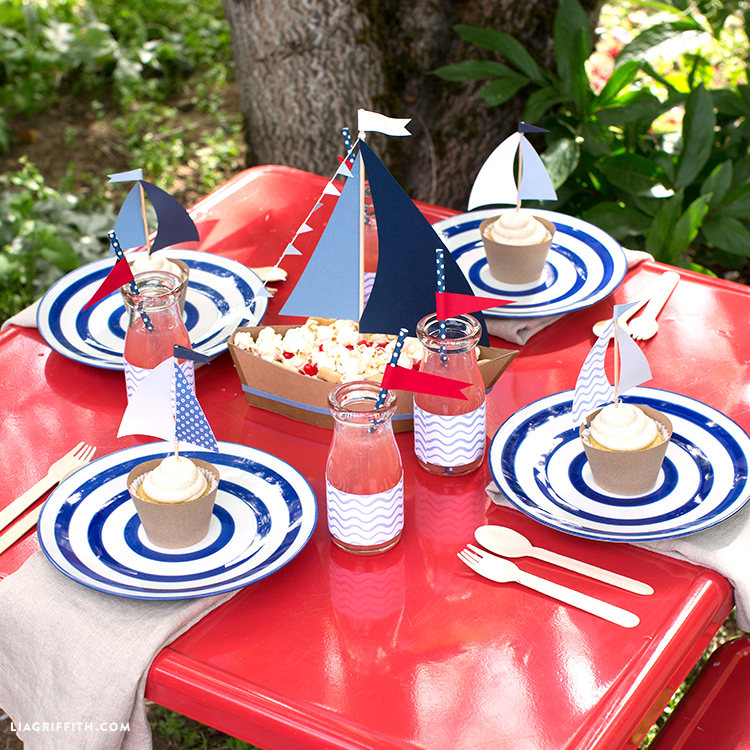 Kids Table 4th of July Crafts