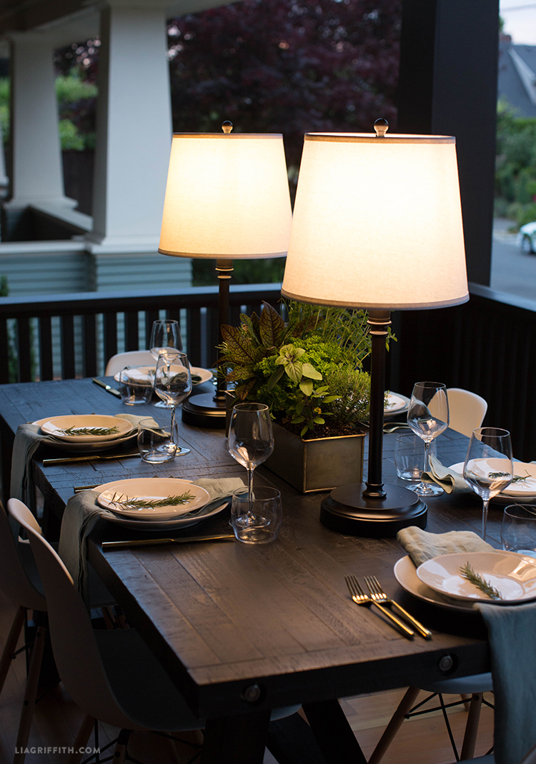 Outdoor Lamps with Modern Lanterns