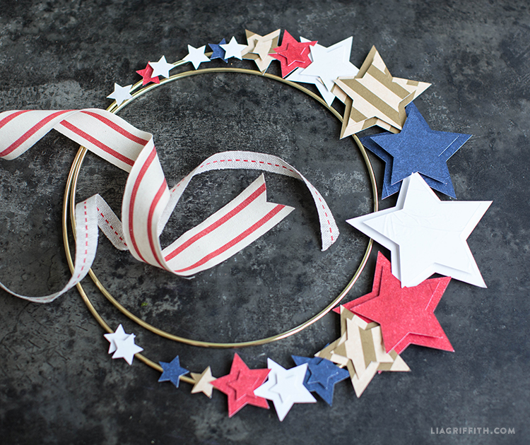 4th of July wreath with tissue paper stars