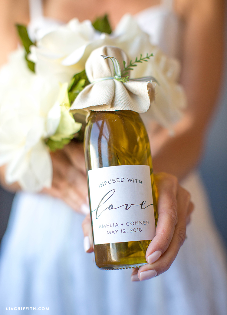 Wow Your Guests With These DIY Infused Olive Oil Wedding Favors
