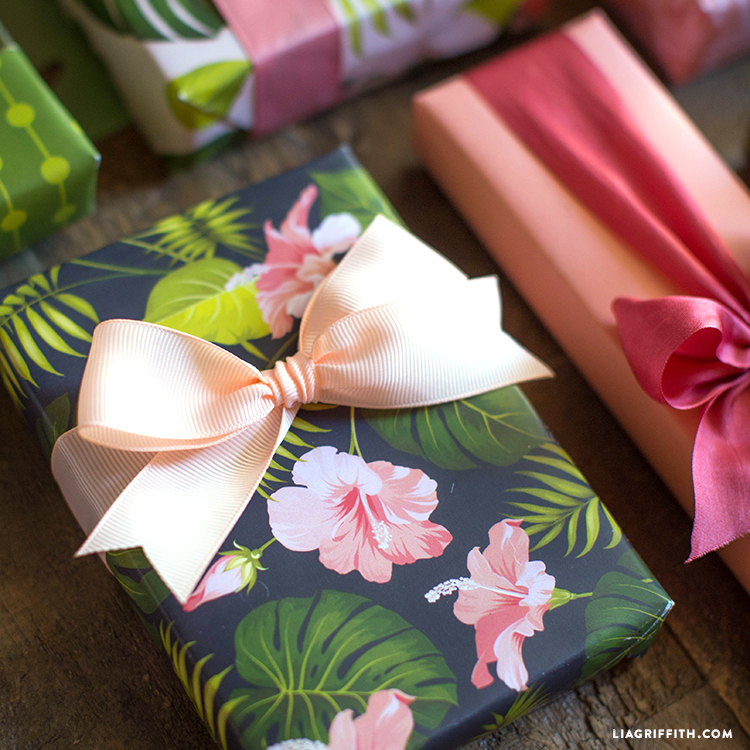 island gift wrapping
