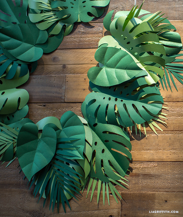 get your party sizzlin with this tropical paper leaf garland