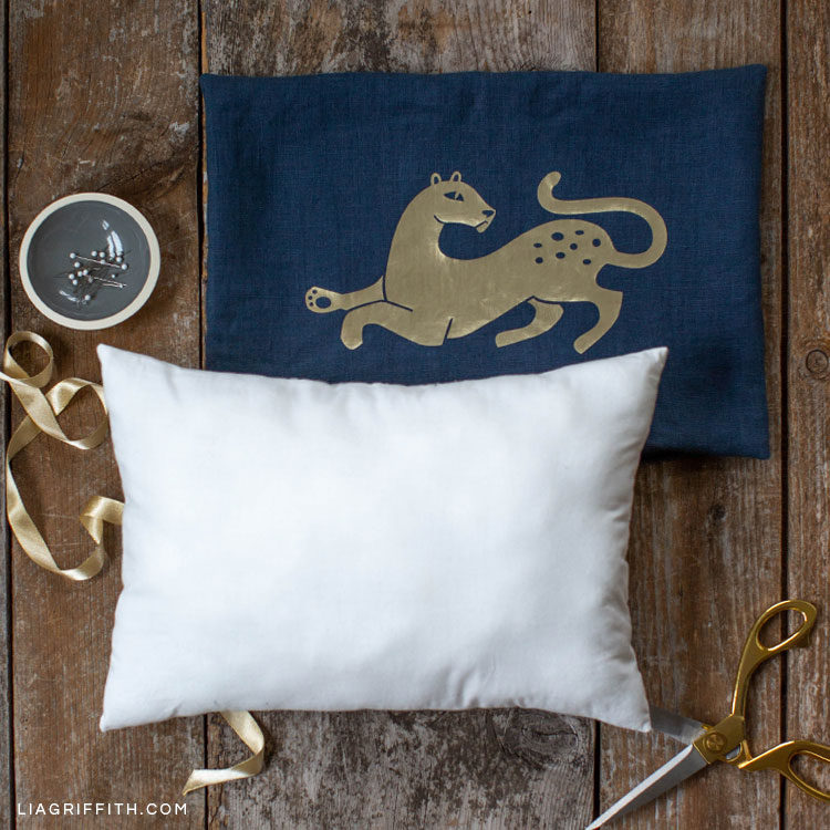Simple Sewing Tutorial How To Make Pillow Filling Lia Griffith
