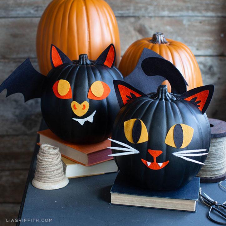 Felt cat and bat pumpkin decorations for Halloween