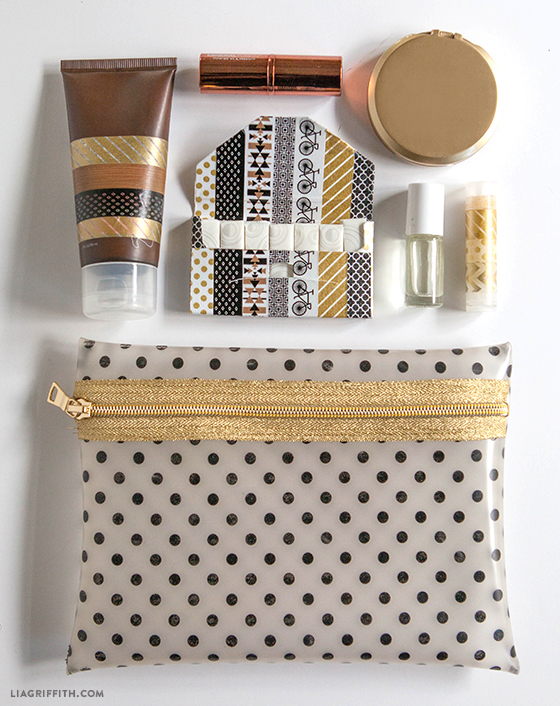 DIY vinyl zipper makeup bag