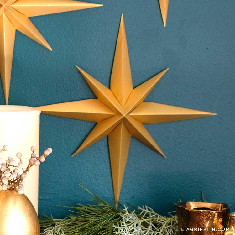 gold 3D paper stars