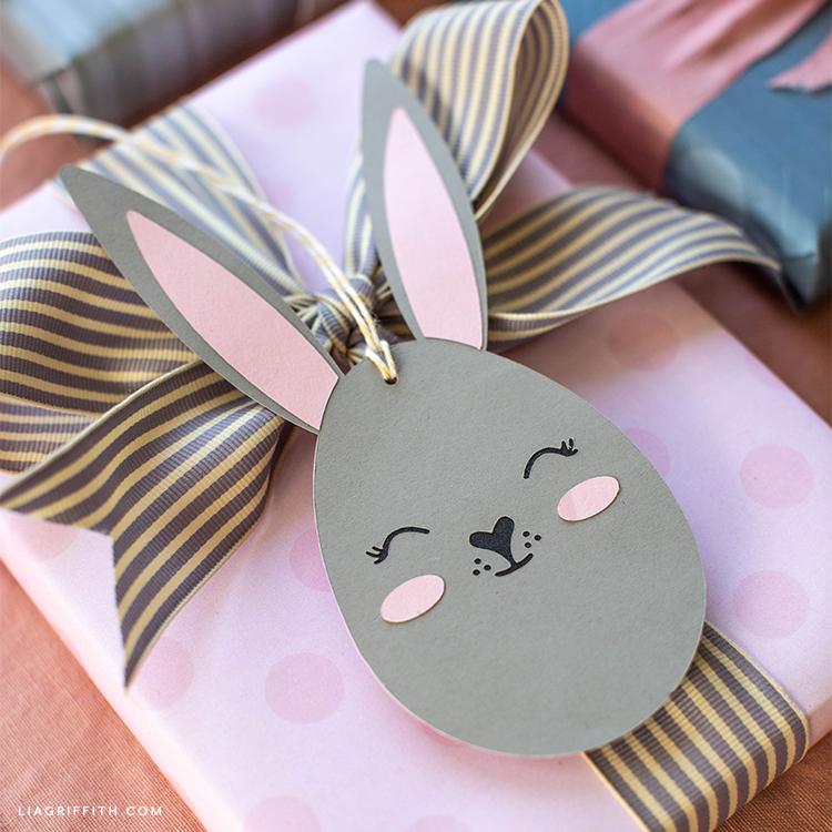 Bunny gift tag on present