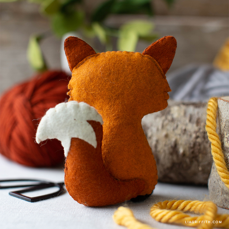 back of felt red fox stuffie
