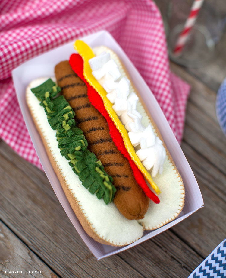 DIY felt hot dog with toppings in paper tray